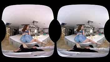 Imagen Die junge Brünette Abella Danger fickt in VR