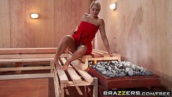 Imagen Stephanie Sadorra Porn in einem xxx lesbischen Dreier in der Sauna