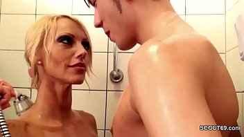 Imagen Fick ein deutsche mutter verführt in der Dusche
